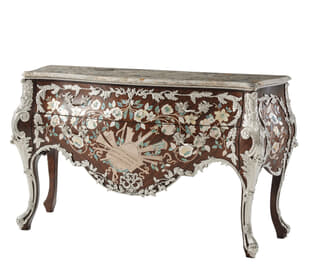 Rainier Bombe Commode