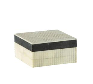 Dash Small White / Black Box