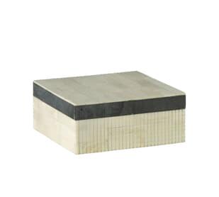 Dash Medium White / Black Box
